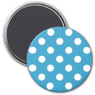 Pois blanc sur l'arrière - plan de bleu de paon magnet rond 7,50 cm