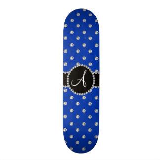 Pois bleu de diamants de monogramme planches à roulettes customisées
