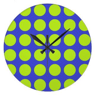 Pois de vert de chaux bleu grande horloge ronde