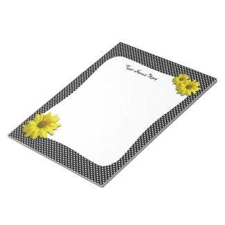 Pois noir et blanc de marguerite jaune bloc-note
