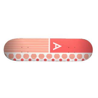 Pois rose et de corail points plateau de planche à roulettes