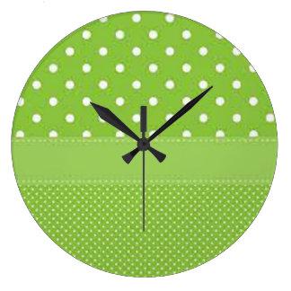 Pois vert et blanc grande horloge ronde