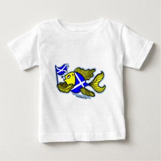 Poissons écossais avec le bébé patriote de drapeau t-shirt pour bébé
