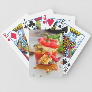Poivrons bourrés Baked avec de la sauce et le Jeu De Cartes Poker