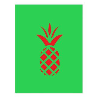 Pomme de pin rouge en vert carte postale