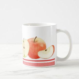 Pommes dans la tasse d'aquarelle