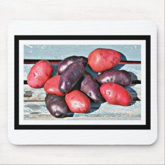 pommes de terre rouges et pourpres tapis de souris