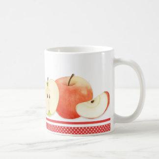 Pommes et tasse de pois