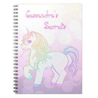 Poney de licorne coloré par arc-en-ciel mignon de  carnets