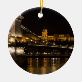 Pont à chaînes avec le château Hongrie Budapest de Ornement Rond En Céramique