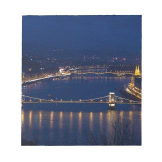 Pont à chaînes Hongrie Budapest la nuit Blocs Notes