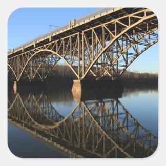 Pont au-dessus de rivière de Schuylkill Sticker Carré