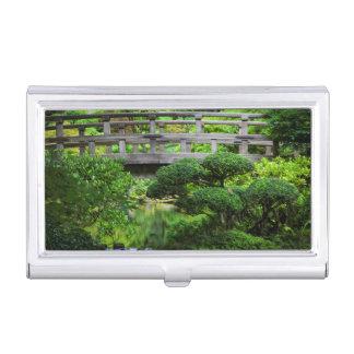 Pont au-dessus d'étang dans le jardin japonais boîtiers pour cartes de visite
