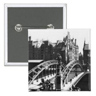 Pont dans le Speicherstadt Hambourg, c.1910 Pin's