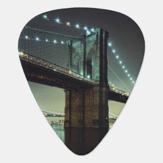 Pont de Brooklyn au pont de Manhattan de nuit Onglet De Guitare