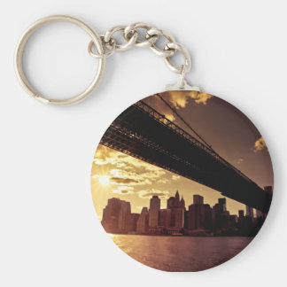 Pont de Brooklyn avec des gratte-ciel de New York Porte-clé Rond