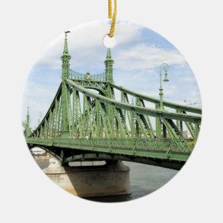 Pont de liberté, Budapest, Hongrie Ornement Rond En Céramique
