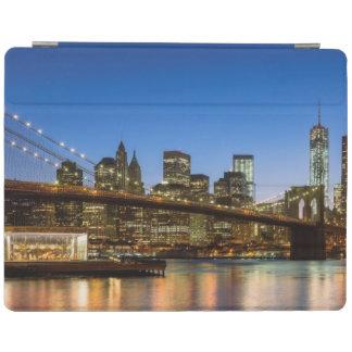 Pont de Manhattan et de Brooklyn au crépuscule Protection iPad