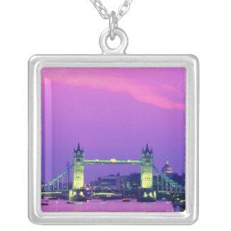 Pont de tour, Londres, Angleterre 2 Collier