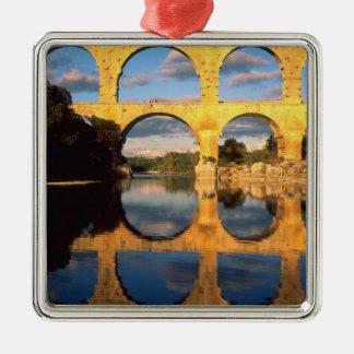 Pont du le Gard, rivière de Gardon, le Gard, Ornement Carré Argenté