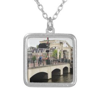 Pont maigre, Amsterdam, Hollande Collier