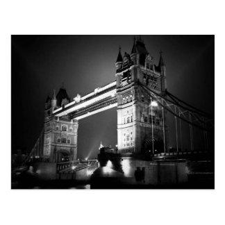 Pont noir et blanc de BW de Londres de tour Cartes Postales