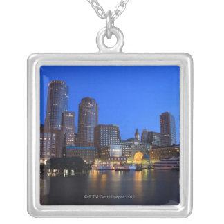 Port et horizon de Boston.  Boston est l'un des 8 Pendentif Carré