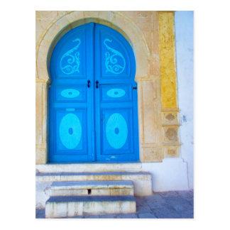 Porte bleue carte postale
