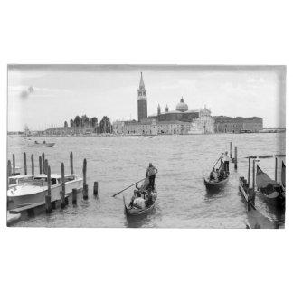 Porte-cartes De Placement Gondole noire et blanche dans la ville de Venise
