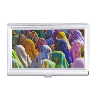 Porte-cartes De Visite Les femmes dans des saris colorés se réunissent