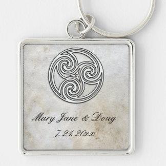 Porte - clé celtique de noeud sur le papier porte-clé carré argenté