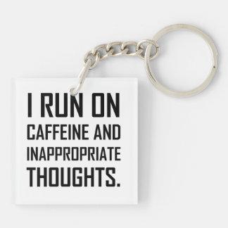 Porte-clefs Courez les pensées inadéquates de caféine