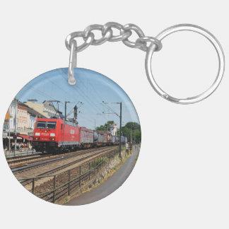 Porte-clefs Train de marchandises dans la maison crue au Rhin