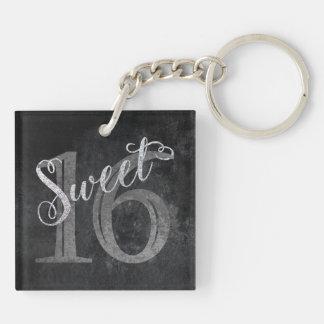 Porte-clés 16ème Parties scintillantes argentées du bonbon 16