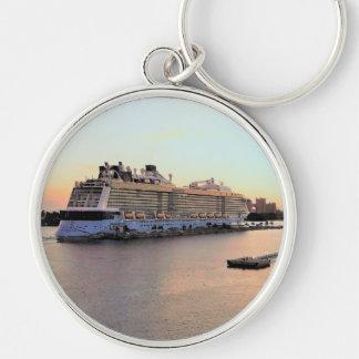 Porte-clés Aube de port de Nassau avec le bateau de croisière