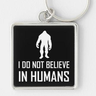 Porte-clés Bigfoots ne croient pas chez l'homme blancs