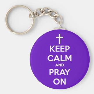 Porte-clés Gardez le calme et priez sur le pourpre