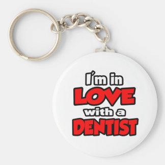 Porte-clés Je suis dans l'amour avec un dentiste