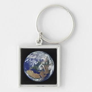 Porte-clés La terre entièrement allumée portée sur l'Europe