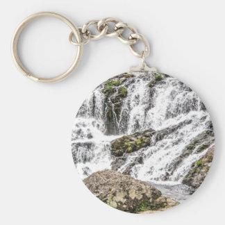 Porte-clés les criques se renverse au-dessus des roches