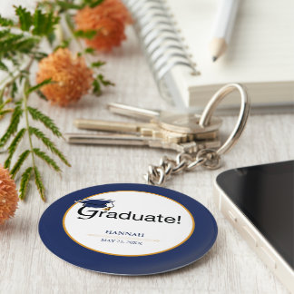 Porte-clés Les félicitations reçoivent un diplôme, casquette,