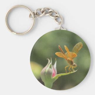 Porte-clés Libellule orange sur Rosebud rose
