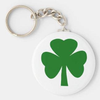 Porte-clés Obscurité verte de shamrock les cadeaux de Zazzle