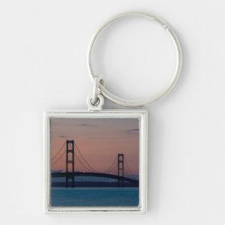 Porte-clés Pont de Mackinac au crépuscule