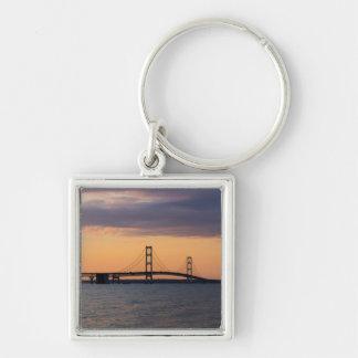 Porte-clés Pont de Mackinac orange de crépuscule
