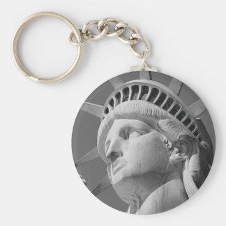 Porte-clés Statue de la liberté en gros plan noire et blanche