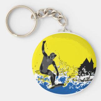 Porte-clés surfeur  basque de Biarritz en action