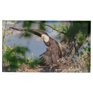 Porte-numéro De Table Eagle chauve partant du nid
