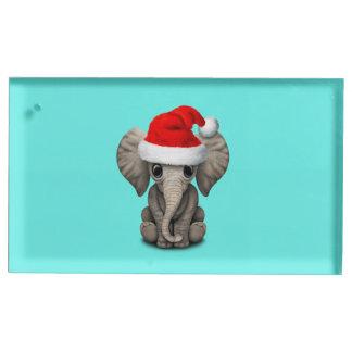 Porte-numéro De Table Éléphant de bébé utilisant un casquette de Père