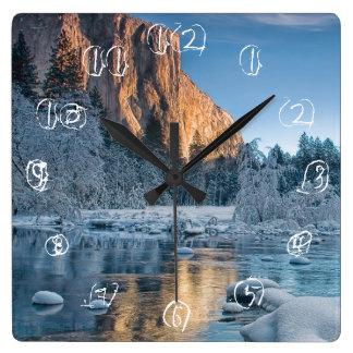 Portes dans Yosemite Horloge Carrée